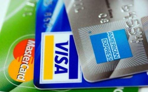 海外生活で役立つクレジットカード