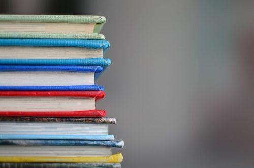 IGCSEで学べる教科とは?必須教科と選択教科