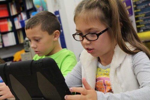 小学生がタブレット学習教材と上手につき合うための対策